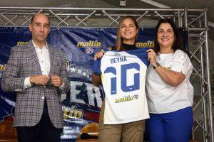 La futbolista Deyna Castellanos es la primera mujer que se une a los Líderes Maltín Polar