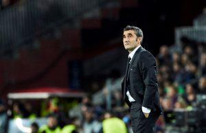 Ernesto Valverde tendría un pie afuera del banquillo del Barcelona