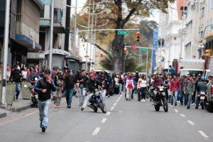 Venezuela: diputados opositores denuncian un ataque con armas de fuego cuando intentaban llegar a la Asamblea Nacional