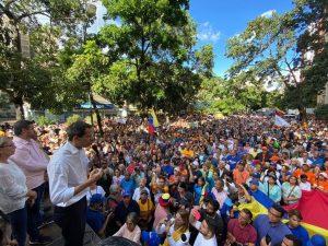 Guaidó pide a venezolanos aumentar la presión para lograr el desenlace a la crisis en nuestro país