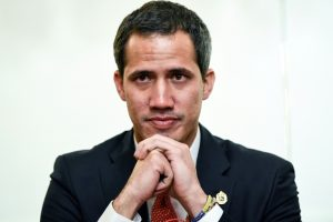 Guaidó es esperado en España, donde su presencia desata una tormenta política