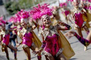 Gran Parada de Fantasía hace brillar al Carnaval de Barranquilla en Colombia