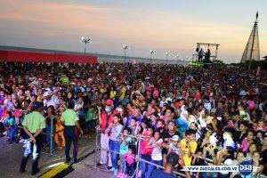Maracaiberos disfrutan los carnavales en la Vereda del Lago