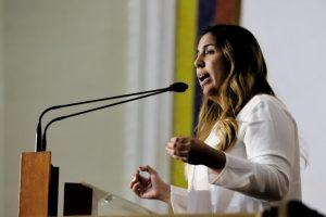 Desiree Barboza: «el COVID-19 no se trata con el Estado Mayor para la Salud sino con hospitales dotados»