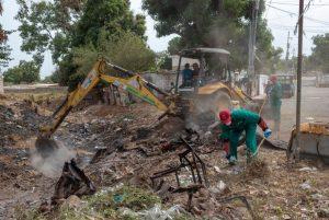 Alcaldía de Maracaibo cumple con la limpieza preventiva de cañadas