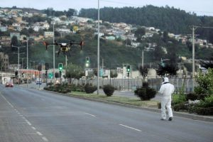 Chile decide aplicar toque de queda nocturno ante avance del coronavirus