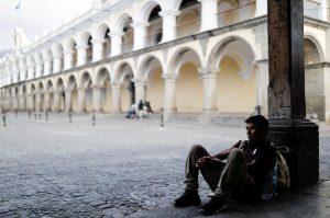 Guatemala y Honduras extienden hasta 12 de abril toque de queda para encarar coronavirus