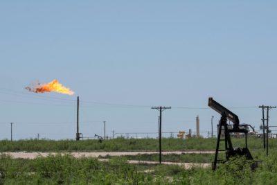 El petróleo estadounidense inicia la semana con una fuerte bajada