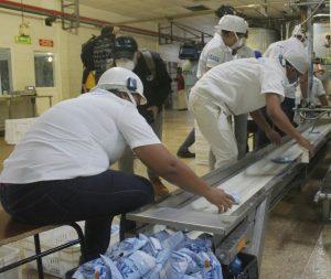 Gobernación del Zulia repartirá 400 mil bolsas de leche para niños en jornadas casa a casa
