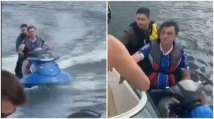 Bolsonaro se pasea en moto acuática mientras Brasil supera los 10.000 muertos