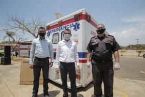 Alcalde de Maracaibo entregó ambulancia recuperada al INASS en el Día del Adulto Mayor