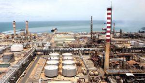 Antonio de la Cruz: «no es rentable reactivar las refinerías venezolanas debido a la caída de la extracción de crudo en Zulia»