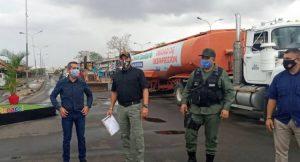 Continúa la desinfección del mercado «Las Pulgas»  y anuncian su reapertura en dos semanas