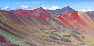Palcoyo: la deslumbrante «montaña de los siete colores»