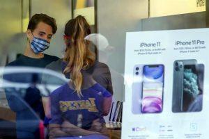 Apple reabre más de 100 tiendas en todo el mundo