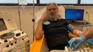 Andrea Bocelli dona su plasma para investigación, tras contagiarse de COVID-19