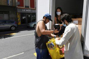 Sin trabajo por el virus, aprieta el hambre entre migrantes latinoamericanos en París