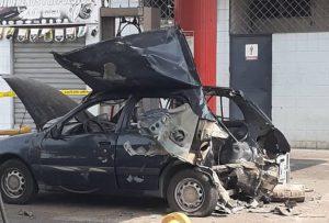 Explota carro por adaptarle bombona de gas doméstico en Puerto La Cruz