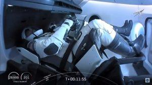 Astronautas de la misión «Demo-2», abordan la Estación Internacional tras acople exitoso
