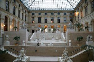 Francia, rumbo a la normalidad con reabrir de restaurantes, cafés y museos