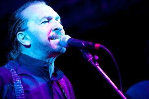Muere el músico referencia del rock venezolano Jorge Spiteri