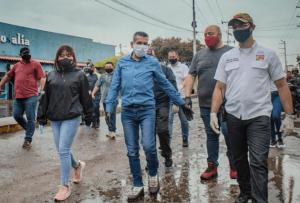 Willy Casanova encabezó la jornada de desinfección del Mercado de Santa Rosalía