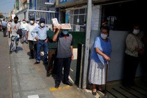 Con más de 123.000 casos de coronavirus, Perú dice está «en una meseta no plana» de contagios