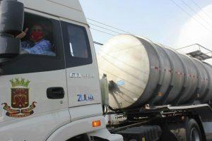 Municipio Lagunillas recibe camión cisterna para mejorar la distribución de agua potable