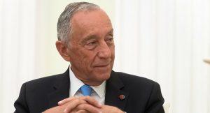 ¡Que humildad! el presidente de Portugal es visto haciendo fila como un ciudadano común