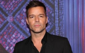 Ricky Martin lanza por sorpresa una producción discográfica titulada «PAUSA»