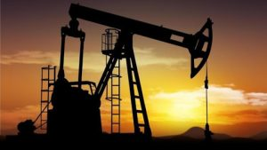 Arabia Saudita reducirá producción de petróleo en 1 millón de barriles diarios a partir desde junio