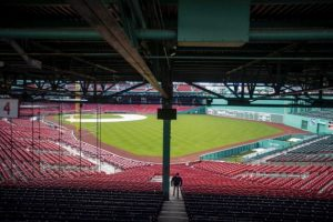 Boston no podrá jugar con fanáticos en las gradas al menos hasta septiembre