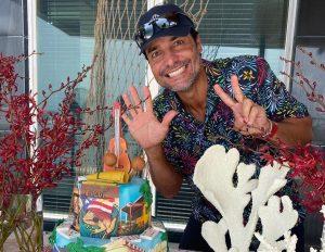 Chayanne cumple 52 años «agradecido con la vida»