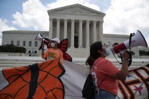 Corte Suprema EEUU falla contra intento de Trump de poner fin a programa «Dreamers»