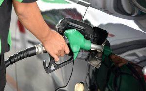 Menos del uno por ciento de los venezolanos recibe suministro constante de gasolina