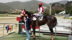 Sin público, pero con la misma pasión volvieron las carreras de caballo en Venezuela