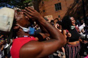 Jefa de policía de Atlanta renuncia en medio de protestas por muerte de hombre afroamericano