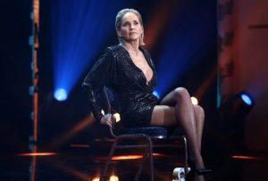 El rayo que casi asesina a Sharon Stone, mientras planchaba en su casa