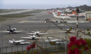 Venezuela extiende restricción de vuelos comerciales por COVID-19 por 30 días más