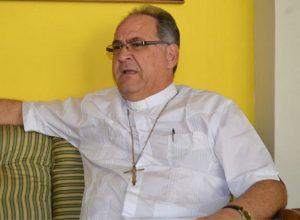 Arzobispo de Valencia alerta sobre la existencia de un grupo de personas que suplantan funciones de los miembros del clero de la iglesia católica.