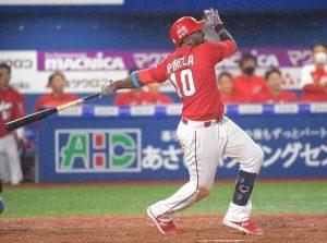 José Pírela conectó jonrón con las bases llenas en Japón