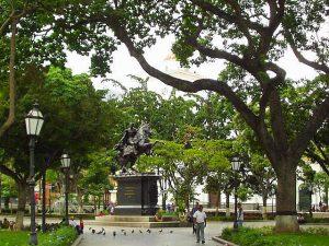 Plaza Bolívar de Caracas fue rehabilitada