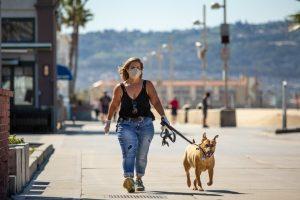 Estas son las ciudades que están multando hasta $1,000 por no usar cubrebocas en California