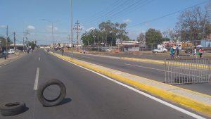 Prohíben el paso a los trabajadores de la prensa en cierre total de Maracaibo
