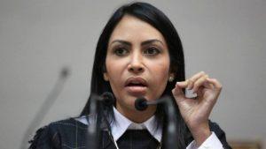 Delsa Solórzano: «Lamentablemente vivimos en dictadura y estos alacranes creen que pueden seguir actuando impunemente»