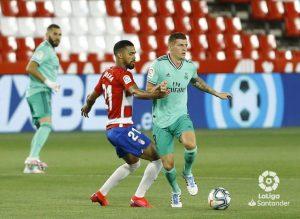 Real Madrid vence al Granada y podrá ser campeón la próxima fecha