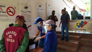 Plan República verificó entrega de kits de electorales en centros de inscripción