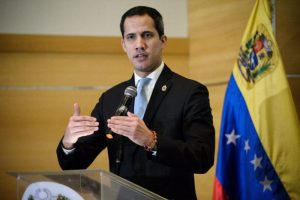 Juan Guaidó calificó como un acto de cobardía la detención de Nicmer Evans