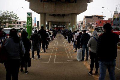 Economía peruana se derrumba 32,75 % en mayo, en medio de su peor crisis debido al coronavirus