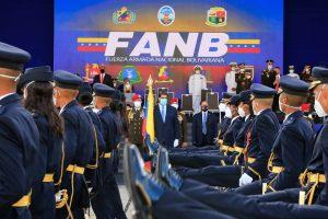Maduro ratifica a Padrino López como ministro de Defensa